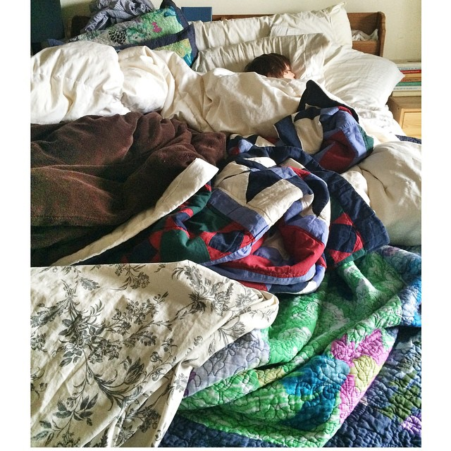 I mean how many blankets does one little human need? He drags in at least 3 more everyday now from the living room for his nap. I'm going to start calling him the #princessandthepea ?#canyouspotthetoddler #growongupmaximo