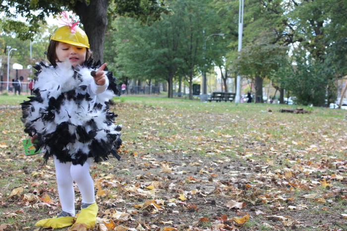 How to be a Chicken on Halloween – Halloween Costumes for Kids